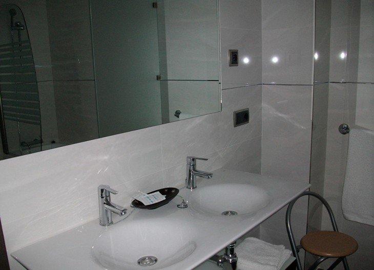 Baño suite Alcalá del Júcar